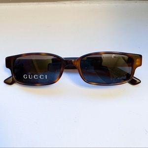 Gucci vintage small sunglasses in good condition!